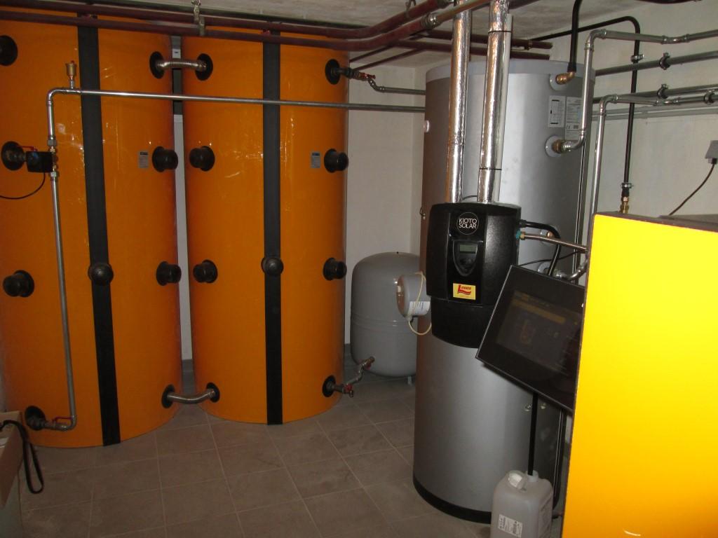 ETA Holzvergaserkessel 20kW, 2 x Schichtpufferspeicher mit 1.000 l. zur Heizungsunterstützung. (Fam. Bucher, Unterdürnbach)