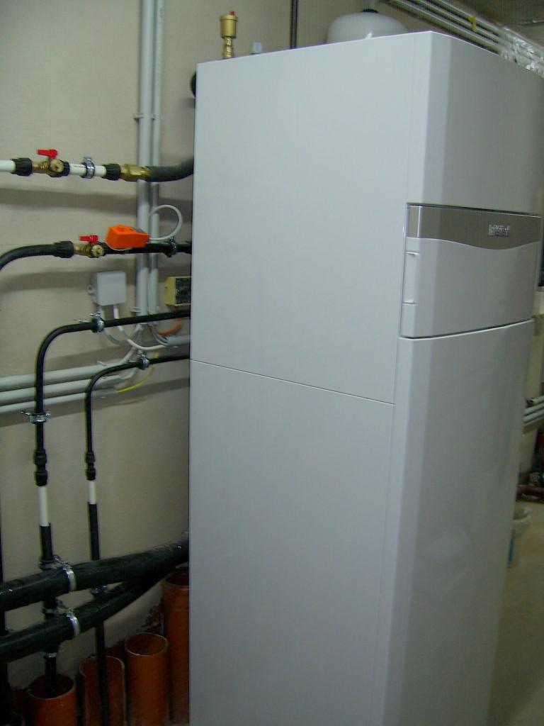 Vaillant Luft-Wärmepumpe aroTHERM mit uniTOWER 5kW - Innengerät (Herr Pfleger, Stettenhof)